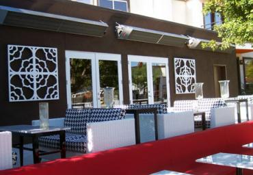 outdoor-restaurant-heating-units-wall-mounted-above-uncovered-patio